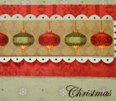 Cartão natalino com enfeites